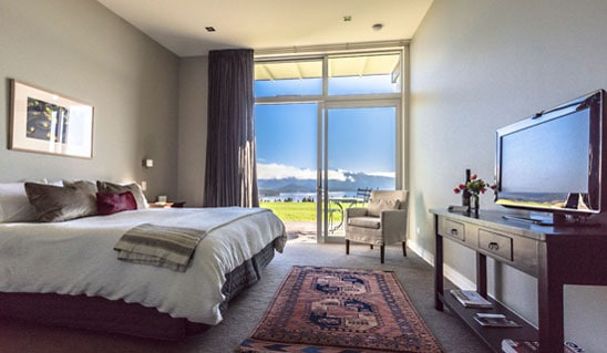 Prospect Lodge luxury guest room with lake view of Lake Te Anau