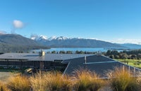 Luxury B&B with incredible lake views of Lake Te Anau